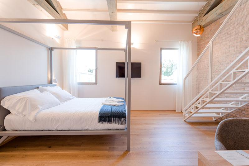 Casaburano hotel camera suite